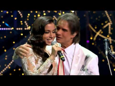 Anitta e Roberto Carlos no Especial Fim de Ano 2512