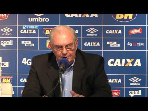 Presidente Gilvan de Pinho Tavares apresenta  Paulo Bento 16/05/16