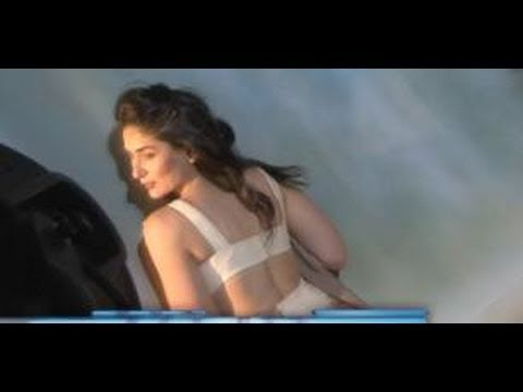 Kareena Kapoor's Sexy Photoshoot! video