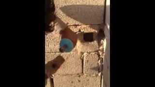 افضل طريقة لتكسير الجدران لتمديد السباكة والكهرباء