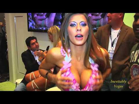 Adult Entertainment Expo 2013: A Quick Rendition of Sexiness