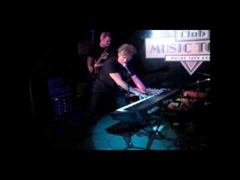 "Denis Mazhukov & Off Beat -  ""Long Tall Sally"" - MusicTownClub (live)"