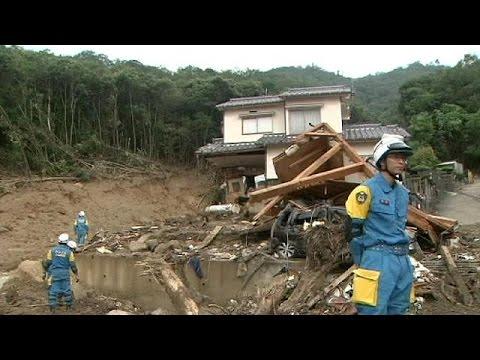Search resumes for Hiroshima landslide survivors