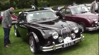 Jaguar Mark 2 Enthusiasts Club members at Windsor Castle