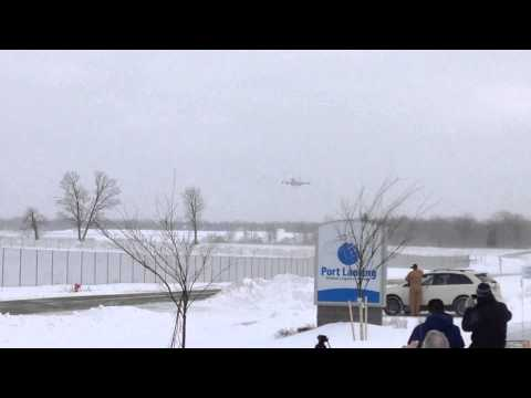 President Obama landing at Lansing Airport to sign the farm bill