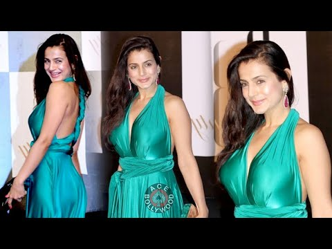 Amisha Patel Unawares Transparent Dress!! video
