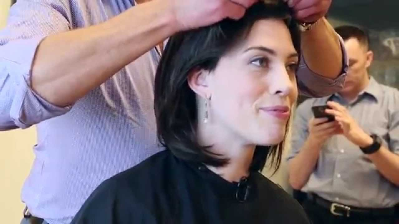 The Wigging: Breast cancer patient shaves head before