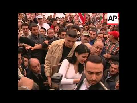 Thousands rally to demand the release of Samir Geagea