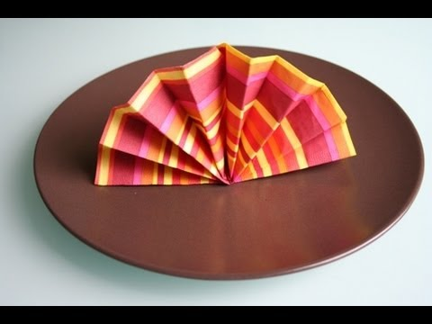 servietten falten f cher napkin folding hand fan youtube. Black Bedroom Furniture Sets. Home Design Ideas