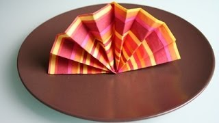 Servietten falten: Fächer / napkin folding hand fan