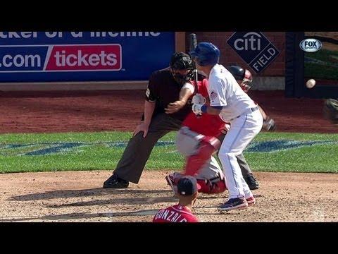 Suzuki loses glove