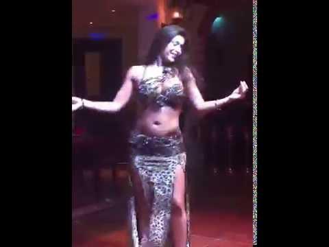 Najla Ferreira bellydancer in Dubai الراقصه نجلا العربيه البرازيليه في دبي