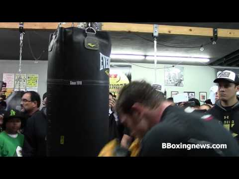 Canelo Alvarez on the heavy bag training for Alfredo Angulo. Richard Ballesteros BBoxingnews Image 1