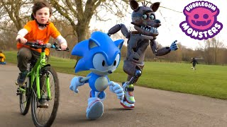 real Fnaf Foxy vs Sonic the Hedgehog race - who will win?