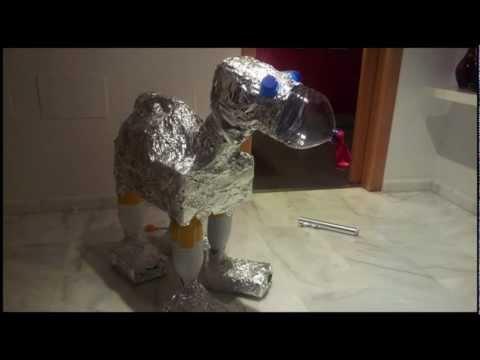 perro robot reciclado youtube. Black Bedroom Furniture Sets. Home Design Ideas