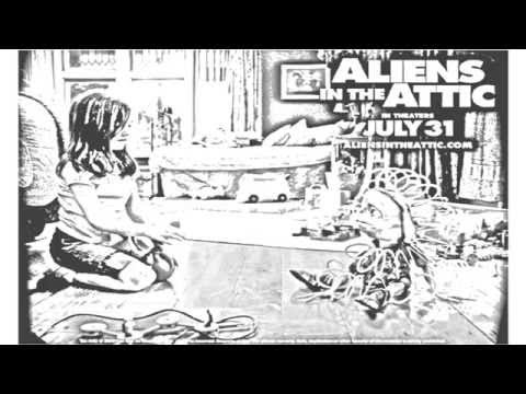 Auto Draw 2: Ashley Boettcher In Aliens In The Attic Wallpaper #2 Video