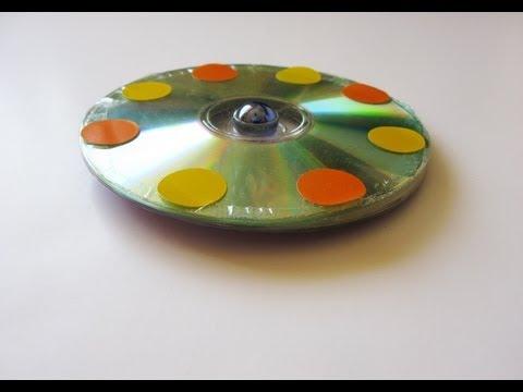 Manualidades - reciclaje de 2 cd viejos - Trompo