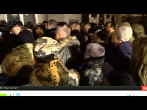 Crazy! Hundreds of Protesters Storm Ukraine President's Office In Kiev