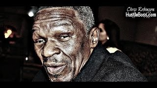 Floyd Mayweather Sr. lands in Verona, New York for this weekend's ShoBox triple header