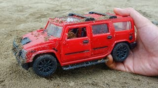 Looking for cars in the sand - H751C Toys for kids