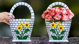 Wall hanging flower vase // Plastic Bottle flower vase at home