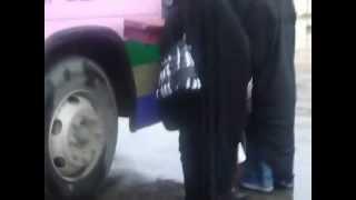 طالباتنا لحظة خروجهم وركوبهم الباص