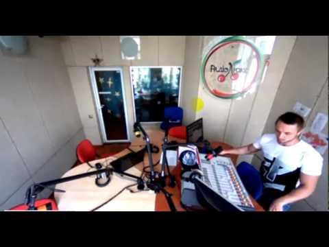 Видео добавленное пользователем Инфо Гуру. Взлом веб камеры Люкс фм.