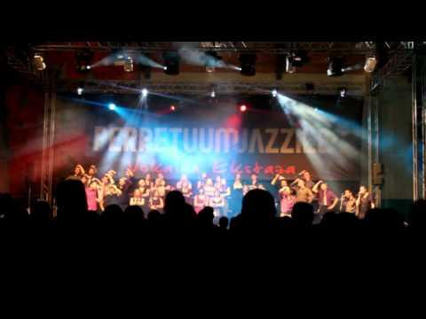 Perpetuum Jazzile - Golica :: LIVE (3.12.2011, Črnomelj)