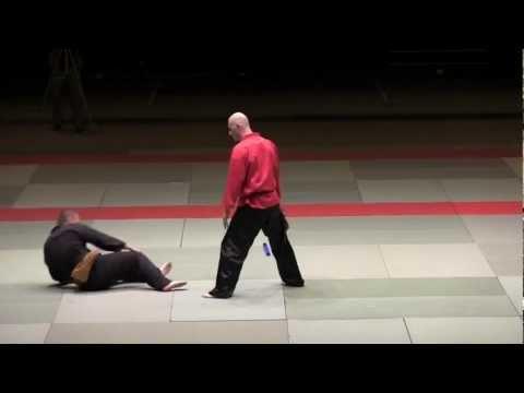 Une démonstration de Penchak Silat par Franck Ropers