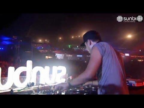 Afrojack - ID (Sunburn Festival India 2013)