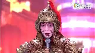 撒贝宁假扮选手去《出彩中国人》,表演加说话加起来有十几分钟,台下的嘉宾(嘉宾都认识小撒的)居然没有认出来。