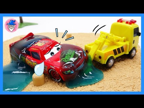 ROBOCAR POLI toy cars repair  episodes. rescue from broken car toys for wheels replacement.