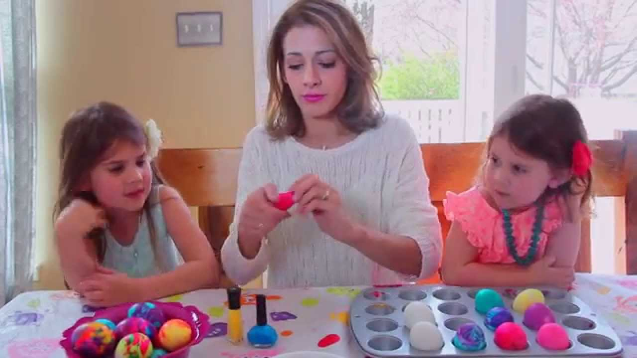 How to Marble Easter Eggs With