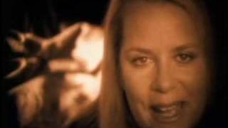 Watch Mary Chapin Carpenter Almost Home video