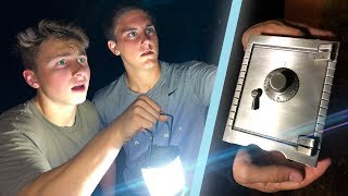 FOUND A SECRET ABANDONED SAFE WHILE GHOST HUNTING!!!