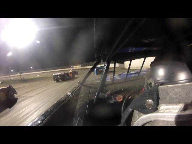 8-24 Tri city speedway Feature race (Crash)