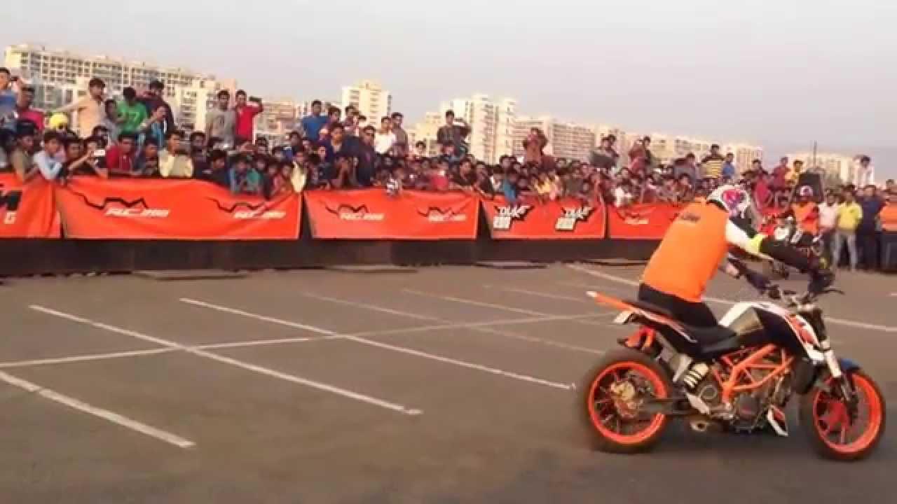 Ktm Duke Bike Stunts Ktm Duke 390 Bike Stunt Show