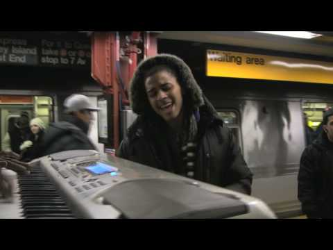 Bluey Robinson - Singing in NY Subway!