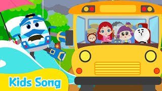 The Wheels On The Bus | Kids songs | LittleTooni songs with Robot Trains