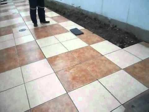Antideslizante para veredas pistas y piso de ducha for Antideslizante para pisos