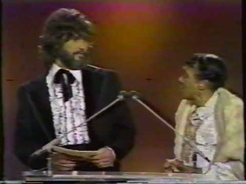 Moms Mabley & Kris Kristofferson Presenting Award U.s. Tv 1974 video