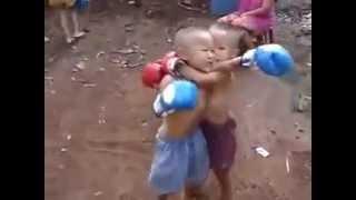 Trẻ trâu đánh nhau hài không thể nhịn cười