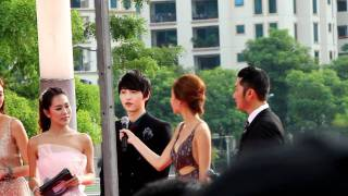 [FANCAM] 111129 MAMA red carpet - Song Joong Ki (2/2)