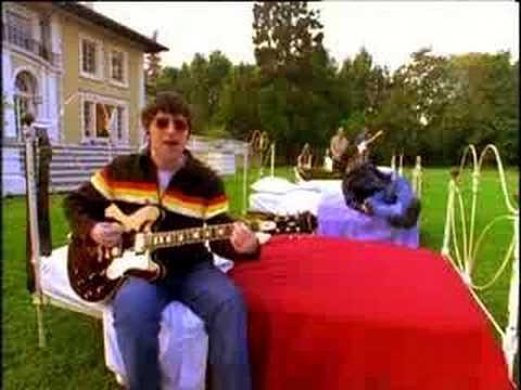 Oasis - Don&#039;t Look Back In Anger - Official Video