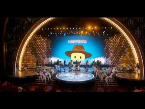 "Pharrell Williams The 2014 Oscars Performing ""Happy"""