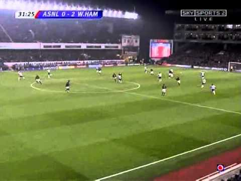 Bobby Zamora Goal - Arsenal 2 West Ham United 3 - Premiership (1/2/06)