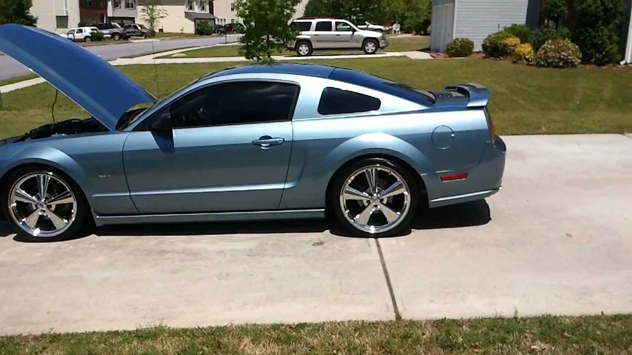 2005 mustang gt no mufflers 20in rims youtube. Black Bedroom Furniture Sets. Home Design Ideas