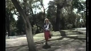 Valeria Lynch: Piensa en Mi. Video Oficial 1988.