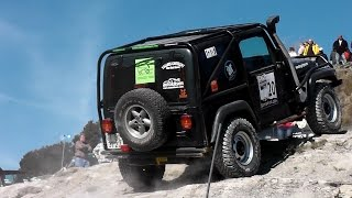 Off-Road racing 4x4 Jeep vs Toyota vs Land Rover vs Mercedes G