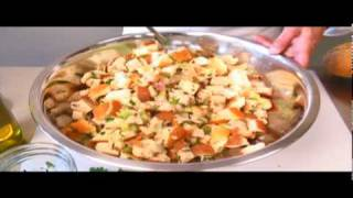 How to Prepare Traditional Turkey Stuffing
